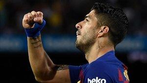 Suárez demuestra su olfato goleador