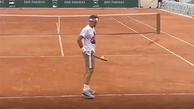 Lo verás y no te lo creerás: Federer sigue haciendo magia