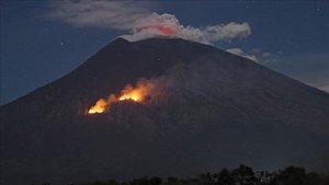 El volcán Sinabung (Indonesia) entra en erupción y nos deja estas impresionantes imágenes