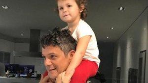 Alejandro Sanz cautiva a sus seguidores con un dibujo de su hija Alma | Google