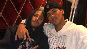 Gabriel Medina, junto a Neymar