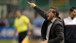 Guillermo Sanguinetti ha ganado 11 partidos, empatado 14 y perdido 5 con Santa Fe