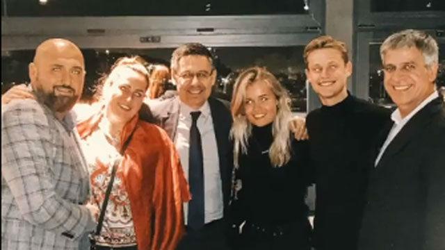 De Jong cena con Bartomeu y Mestre