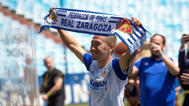 Kagawa rompe barreras en su presentación en el Real Zaragoza