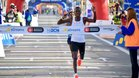 El keniano Erci Kiptanui, vencedor en Barcelona