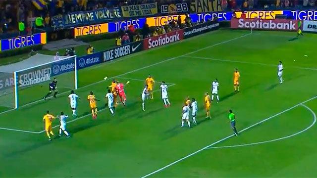 ¡MILAGROSO! El portero de Tigres marcó en el minuto 94 y evitó la eliminación en la CONCACAF Champions League