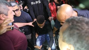 Neymar Junior en el momento de ir a declarar a los juzgados