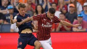Theo se lesionó en su debut con el Milan