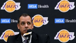 Vogel, en su presentación como técnico de los Lakers