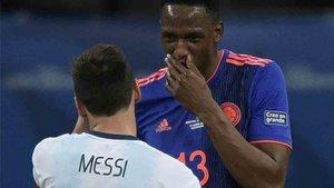 Yerry Mina y Messi hablaron tras el partido