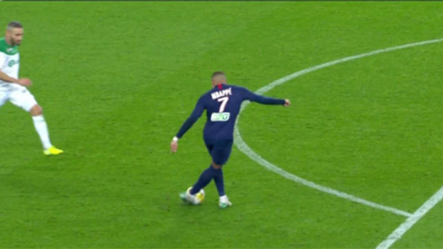 Mbappé le lanza un guiño a Zidane