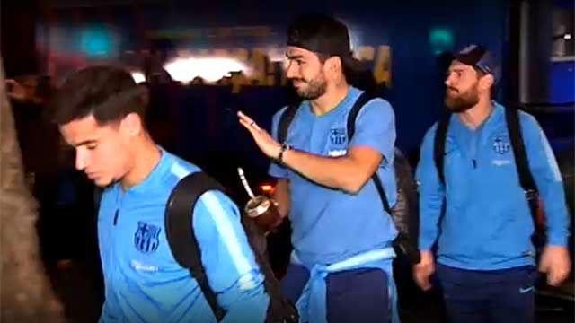 Así han recibido los culés al Barça en Sevilla