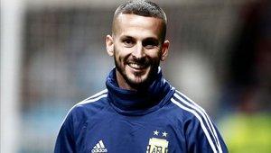 Darío Benedetto firmó hace poco una ampliación de su contrato con Boca Juniors