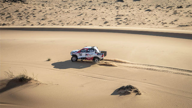 Fernando Alonso sigue con los tests en Namibia