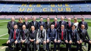 Foto de familia de la comida de directivas del FC Barcelona y el Liverpool