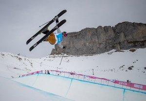 JHanna Faulhaber entrena para la prueba Freeski Halfpipe de Esquí Freestylede los Winter Youth Olympic Games en el Leysin Park, Suiza,