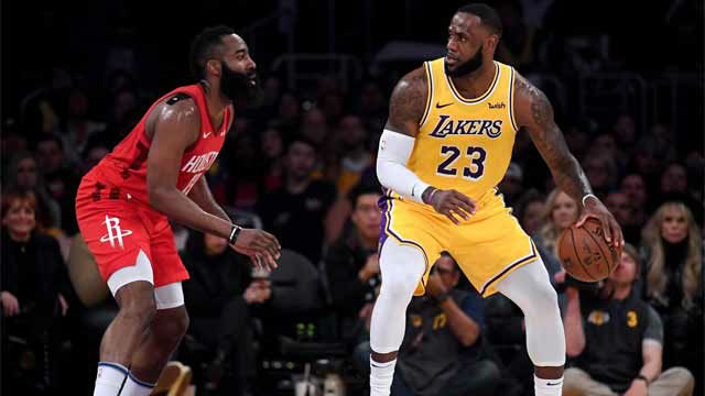 LeBron y Harden se retaron en el Staples Center