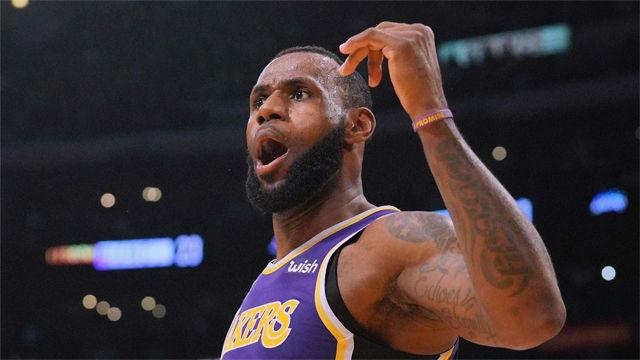 LeBron James firmó una noche brillante
