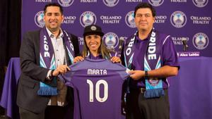 Marta, entusiasmada en su presentación con Orlando Pride