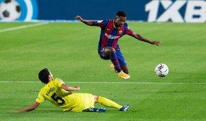 La mejores imágenes del partido entre el FC Barcelona y el Villarreal LaLiga Santander disputado en el Camp Nou, en Barcelona.