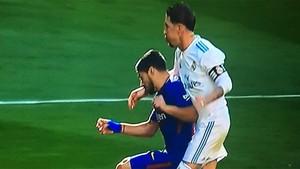 Sergio Ramos agredió a Luis Suárez