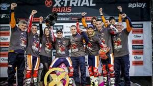 Todo el equipo Repsol Honda celebró el título en París