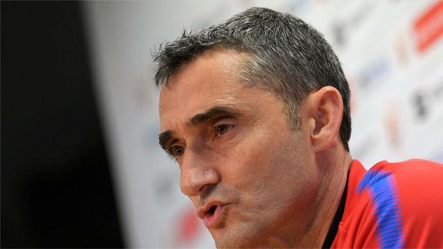 Valverde no quiere saber nada sobre los pitos