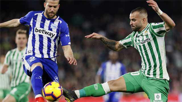 El Alavés se lleva un punto con polémica ante el Betis