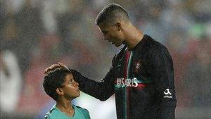 Cristiano Ronaldo y su hijo estuvieron en su último campus