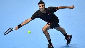Federer, durante su partido ante Djokovic