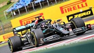Hamilton firma su octava victoria en Hungría