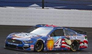 Harvick lidera la NASCAR