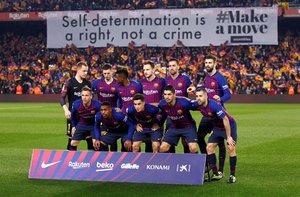 Imágenes de la primera parte del partido de ida de semifinales de Copa del Rey entre el FC Barcelona y el Real Madrid disputado en el Camp Nou