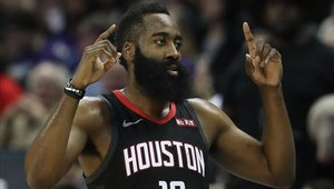 James Harden sigue on fire