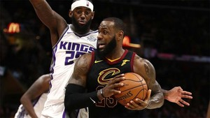 LeBron James estuvo cerca del triple-doble