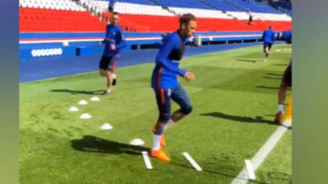Neymar entrenó con sus compañeros