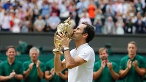 Roger Federer volvió a ganar en su jardín. Y lo hizo con autoridad