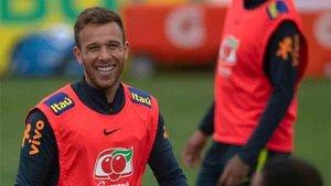 Arthur, en el entrenamiento de la selección de Brasil