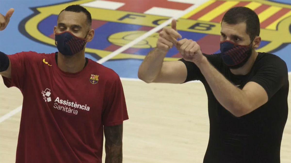 El Barça, con la mascarilla protectora del club, sigue cogiendo el ritmo