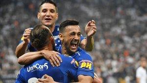 Cruzeiro venció a Corinthians y retuvo el título de la Copa de Brasil