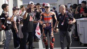 Jorge Lorenzo, en el paddock de Motegi. No ha perdido su gancho con los fans