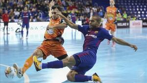 Léo Santana marcó sus dos primeros goles en el Palau Blaugrana