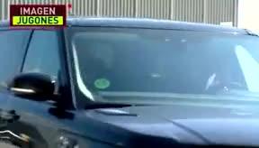 Luis Suárez se marcha llorando de la Ciudad Deportiva