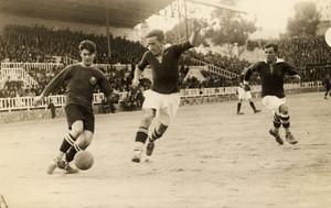 Piera, en una de sus clásicas internadas por banda derecha en un partido de Copa contra el Stadium de Zaragoza en 1925, en el campo de Les Corts