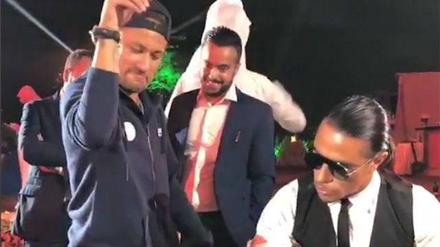 El PSG visitó a Salt Bae y Neymar fue el protagonista