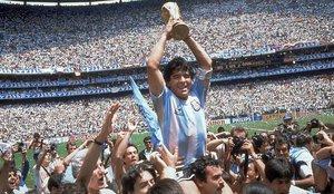 Argentina declara tres días de duelo nacional por la muerte de Maradona