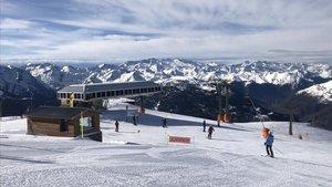 Baqueira Beret. La estación aranesa cuenta con todas las pistas y remontes abiertos para disfrutar de la nieve estos días.