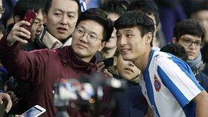 Wu Lei ya levantó mucho interés en su presentación como jugador del Espanyol