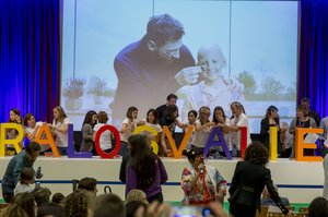 Leo Messi en la colocación de la primera piedra del SDJ Pediatric Cancer Center de Barcelona en el Hospital Sant Joan de Déu