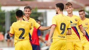 Los azulgranas celebran uno de los goles del partido